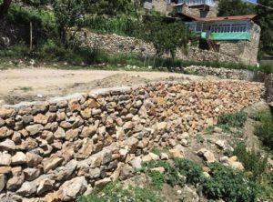 В продолжении ремонта дорог местного значения, в селении Тагада на улице Саида-Афанди, завершено строительство подпорной стены проезжей части автомобильной дороги.
